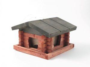 Linnusöögimaja Tommi punane must katus, 19x13x15cm